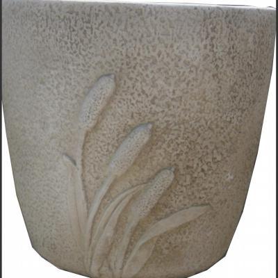 Pot de fleurs en pierre reconstituée