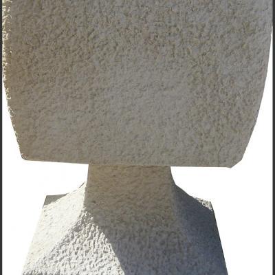 Pot de fleurs très design en pierre reconstituée