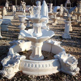 Fontaine avec bassin