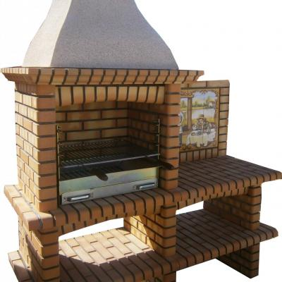 Barbecue en brique réfractaire avec panneau