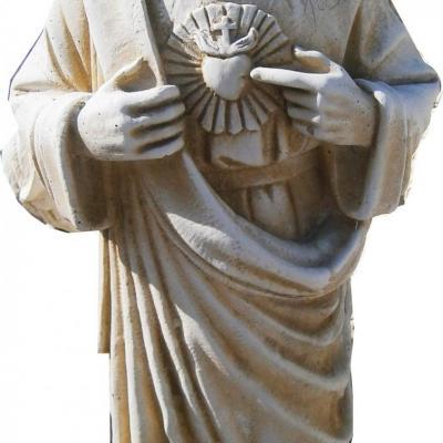 Statue du christ en pierre reconstituée