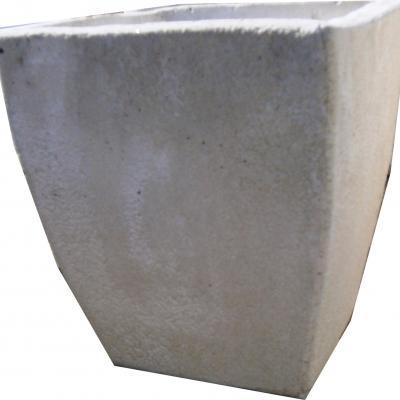 Pot a fleurs en pierre reconstituée