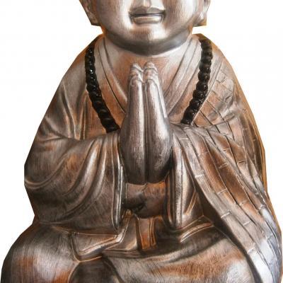 Grand bouddha au yeux bridé