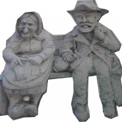 Couple de personne âgé sur un banc
