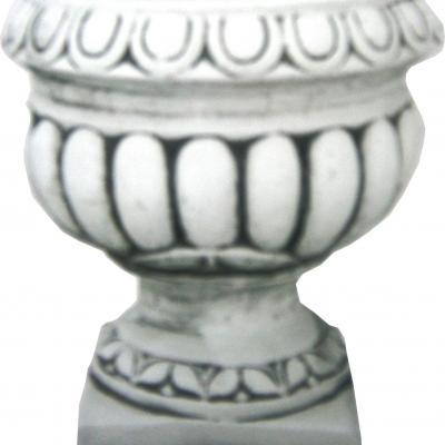 Vase en pierre reconstituée