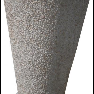Pot de fleurs en pierre reconstituée tout en hauteur