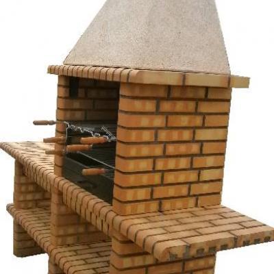 Grand barbecue en brique