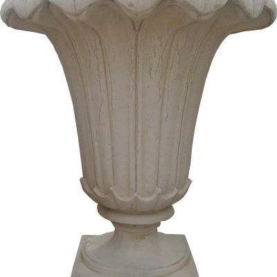 Vase en forme de fleur