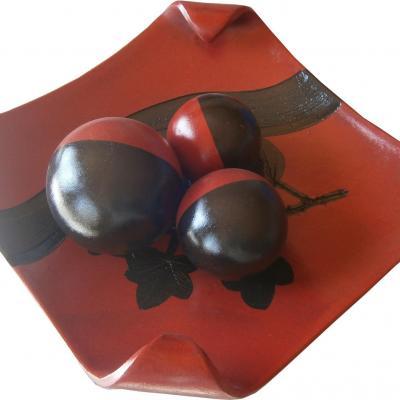 Centre de table rouge et noir en céramique peint à la main
