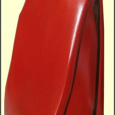 Pot rouge en céramique, peint à la main