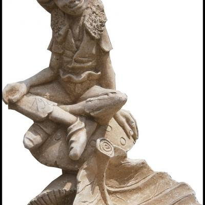 Petite statuette en pierre reconstituée