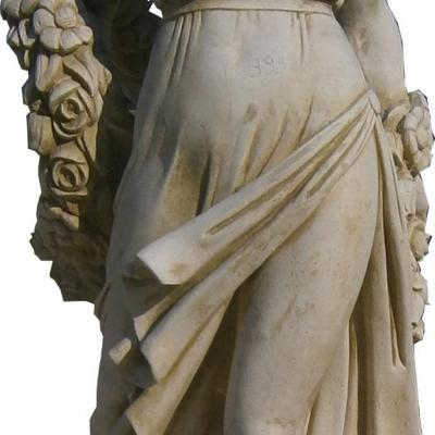 Statue femme grec