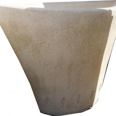 Pot en pierre reconstitué