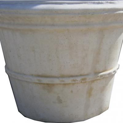 Gros pot en pierre reconstituée