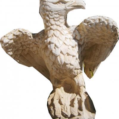 Magnifique aigle en pierre reconstituée