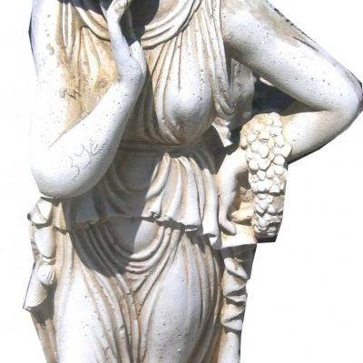 Statuette d'une femme