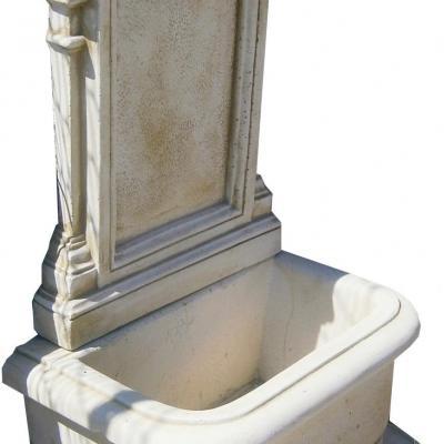 Fontaine murale en pierre reconstituée