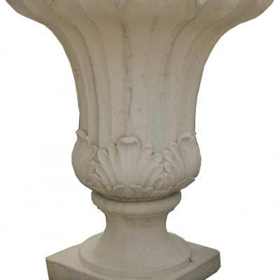 Magnifique vase en forme de tulipe